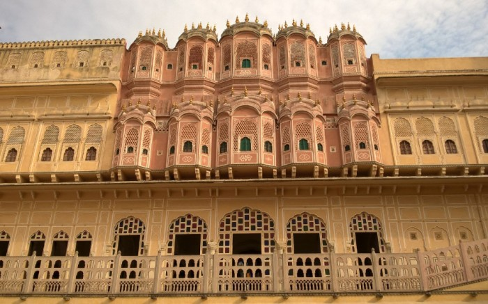 Rear of Jaipur's gilded cage (splendid golden finials at the top)